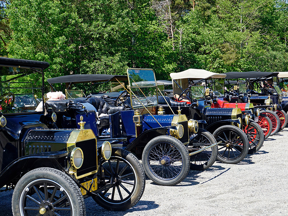 The Gas & Brass Car Club rolled in with these beauties!