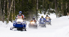 mtwash-omni-mount-washington-resort-winter-snowmobiling