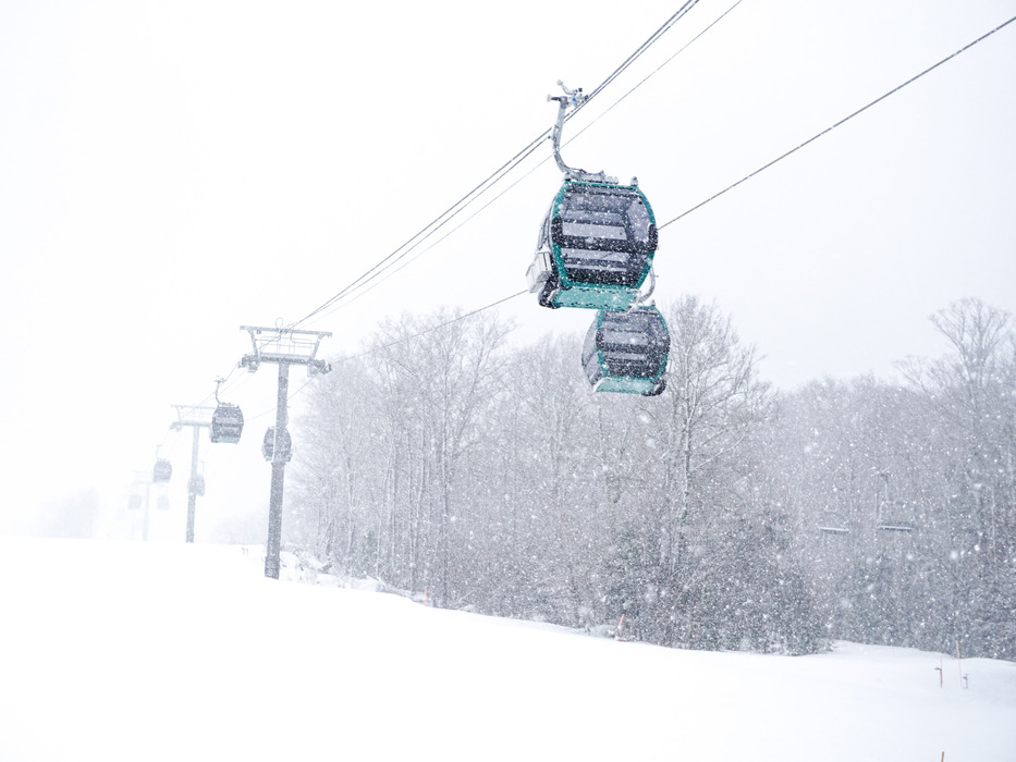 The snow is coming down in buckets now... looks like a good day is in store tomorrow!